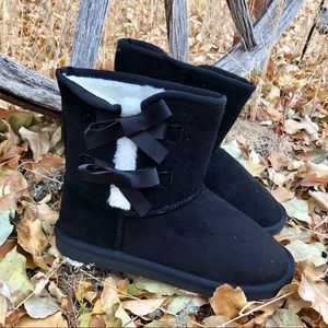 New! Black and White Sherpa Boot with Ribbon Bows